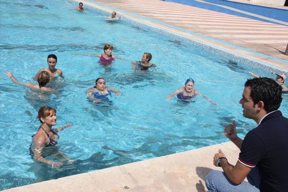 sagredo visita la piscina municipal de paterna para